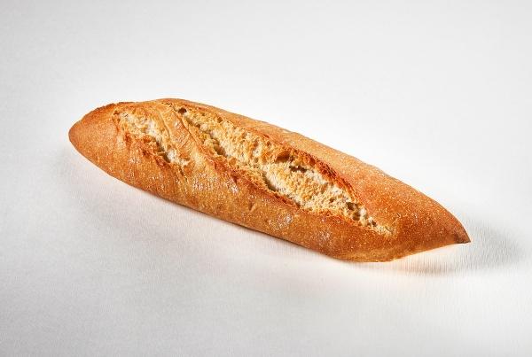 Barra premiere elaborada con un proceso de doble fermentación y excelente corteza crujiente terminada en punta, lo cual la convierte en una delicia para el paladar.