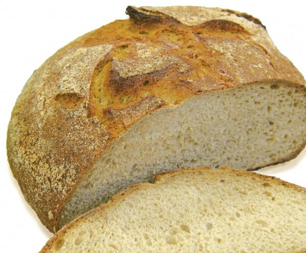 Jugoso y esponjoso pan elaborado con mezcla de harinas de trigo, con un 6% de copos de patata.