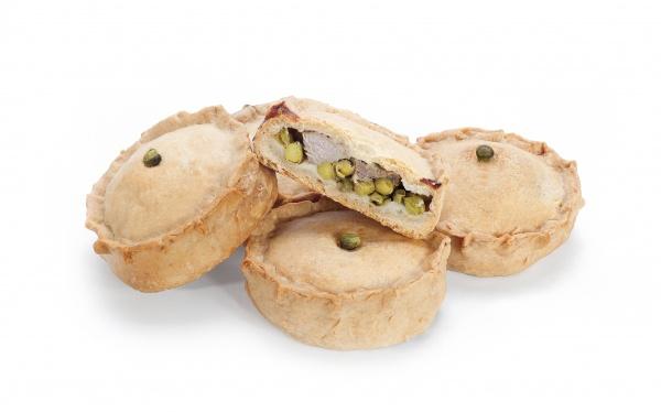 Mini empanada cocida de carne y guisantes. Elaborada con harina de trigo y manteca de cerdo. Descongelar y consumir.