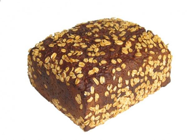 Sabroso pan de harina integral de centeno, cubierto de copos de avena. Está elaborado con masa madre natural.