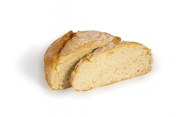 Tradicional pan blanco mallorquin precocido.